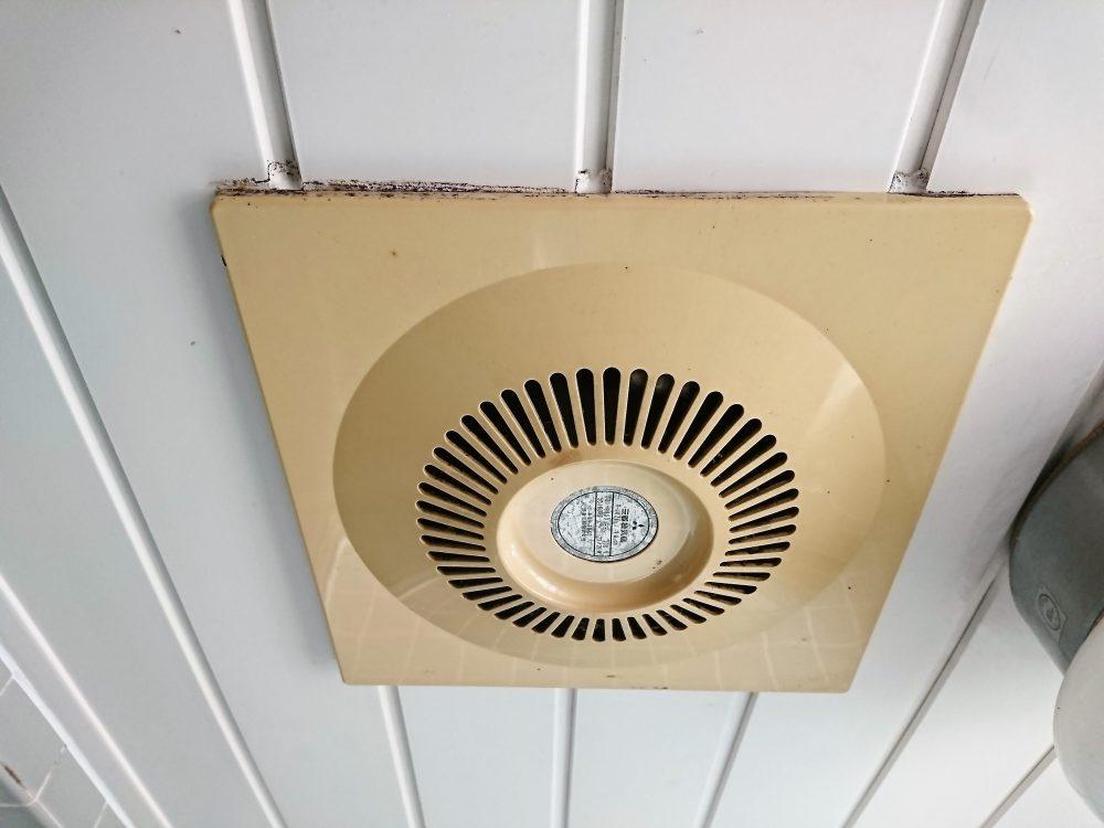 換気扇 風呂 交換 場 お風呂の換気扇の交換費用はいくら?取り換えに必要な料金相場